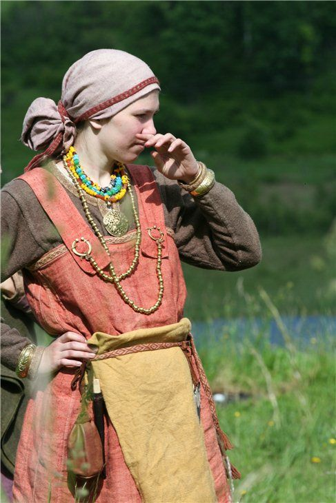 A gallery of slavic reenactors. The girl in the photo is not slav, though. I think she is Karelian, Lithuanian or Finnish? The games took place neat Lithuania, so there is a lot of Karelian history there. Please comment if you know :)