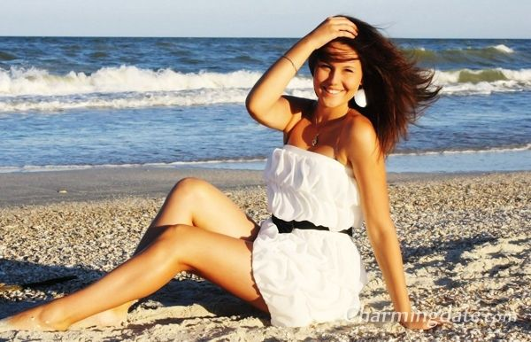 What Russian girls for marriage want from the guys they are dating on Russian women dating sites? Check now!