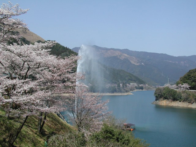 市房ダム(熊本県球磨郡水上村)
