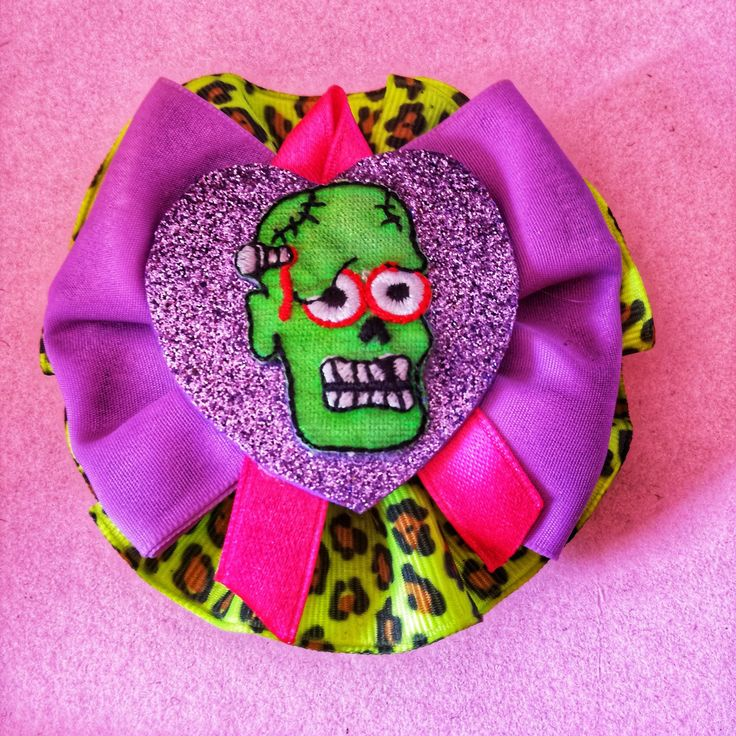 #handmade #fattoamano #fermaglio #capelli #hair #hariclip #spilla #brooch #broche #monster #green #halloween #bow #violet #glitter #heart #cuore #animalier #rockabilly #horror #dark #psicobilly #punk #girl #gothicgirl #13