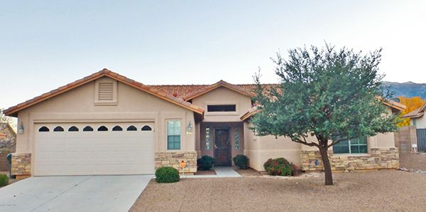 2/13/17. $212,000. Desirable Huachuca Mountain Elementary school district. Beautiful curb appeal w/stone veneer. Nice kitchen open to great rm & dining. Split plan. Nicely landscaped, extended patio, & beautiful mtn views. Call Lisa Vaughan, 520-227-2868, or email LisaV@LongRealty.com. Direct MLS link at www.AZrealestatepress.com. Get more info on page 39 of the current REP.