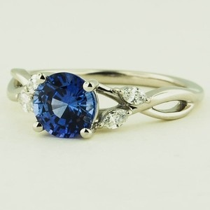 18K White Gold Sapphire Willow Diamond Ring – Set with a Premium 6mm Round Blue …