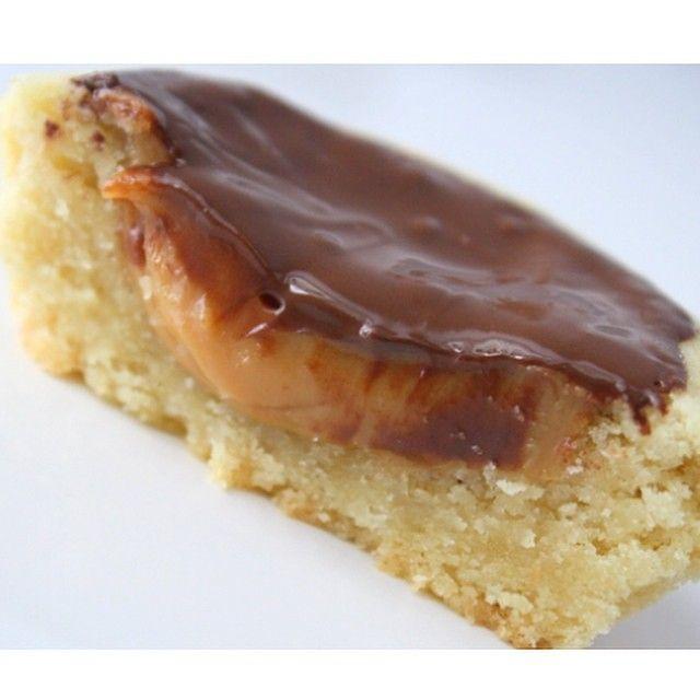 Krämiga kolakakor  Recept och bilder på bloggen ➡️#jennysmatblogg #sök #krämiga #kolakakor #choklad #bakblogg #hembakat #efterrätt