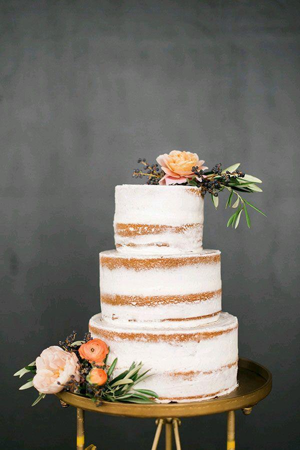 Wedding cake #nudecake