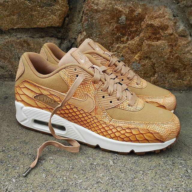 sale retailer 6faa1 01c36 nike air max 90 leather 302519 014