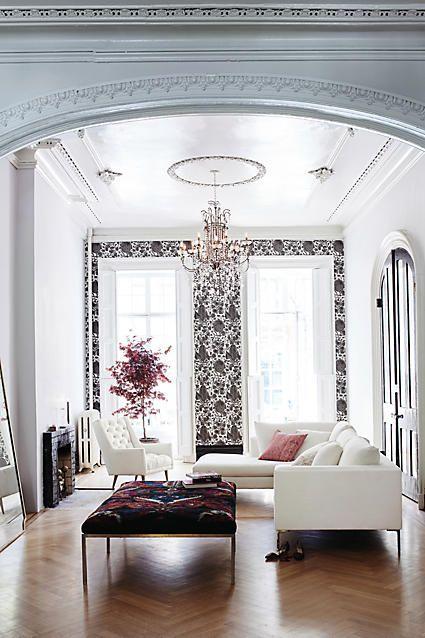 PEARL Sofa, A Delicate & Cosy Living Room Sofa  Modern Living Room   Beautiful Interior Design   Modern Sofa   #contemporarysofa #sofaideas #livingroominspiration   More inspiration you will find right here: http://modernsofas.eu/2017/08/16/pearl-sofa-delicate-cosy-living-room-sofa/