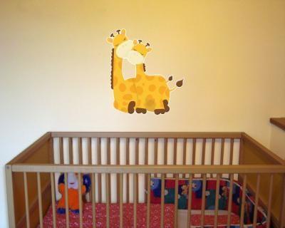 Fabulous Buntes Wandtattoo Kuschelnde Giraffen in verschiedenen Gr en sofort erh ltlich