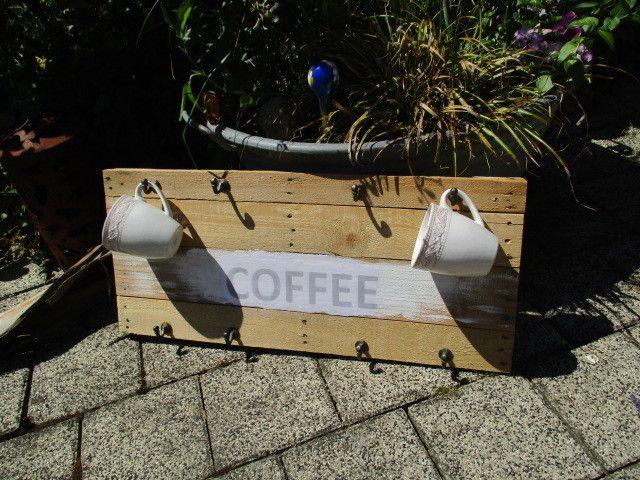 Hakenleisten - Coffee Regal aus Palette - ein Designerstück von opas-buch bei DaWanda
