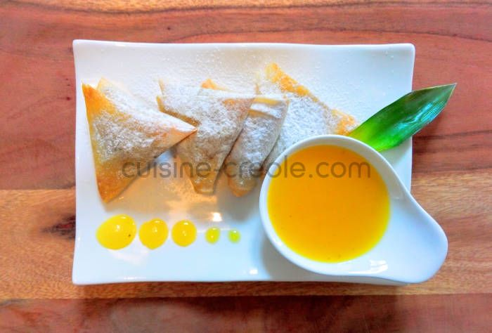 samoussa-ananas-vanille-coulis-mangue-cuisine-creole-1