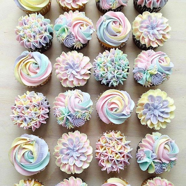 Unicorn buttercream cupcakes ♥