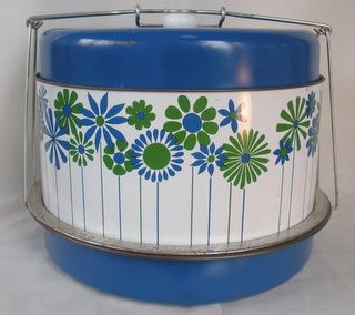 stumbled onto this find today:)  vintage tin cake carrier