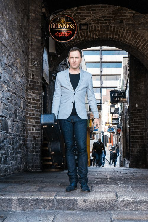 Rock Club 40 chats with DAMIEN LEITH