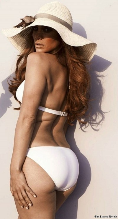 J.Lo What a REAL, non-photoshopped healthy body looks like! Who needs photoshopping?