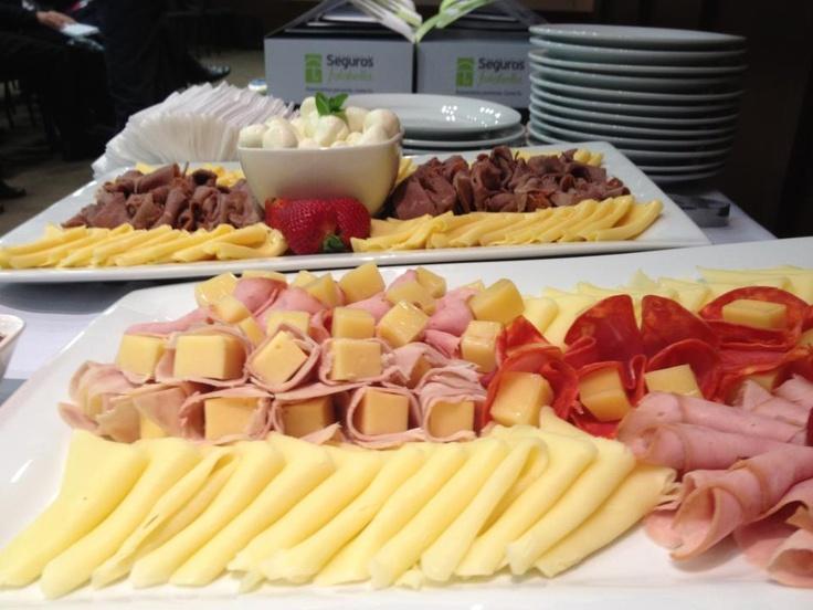 tabla de quesos y jamones
