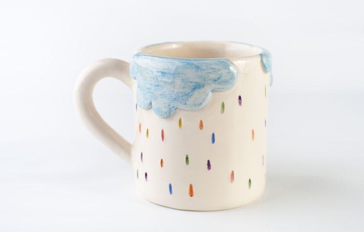 www.astralobjetos.com Taza jarro de nubes con lluvia de colores. Ceramica hecha a mano - Handmade ceramic