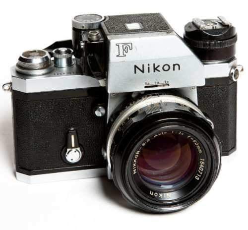 Camera Nikon F Com Photomic E Lente 1:4/50mm - R$ 850,00