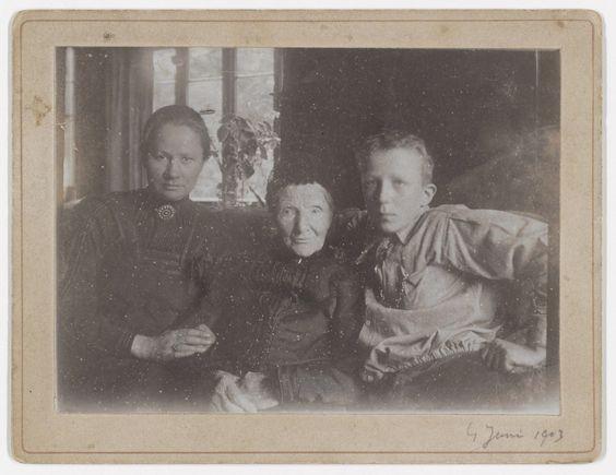 Jo van Gogh-Bonger, Anna van Gogh-Carbentus, and Vincent Willem van Gogh