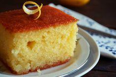 Καιρό τώρα ψάχνω να βρω την «σωστή» συνταγή για Ρεβανί, όχι όποιο – όποιο ρεβανί αλλά αυτό από την Βέροια! Το ραβανί