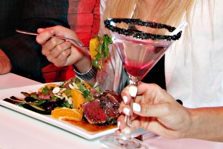 #Delish #dining & #sexy #drink @ #Houston Avenue Bar & Grill! #HoustonOntario