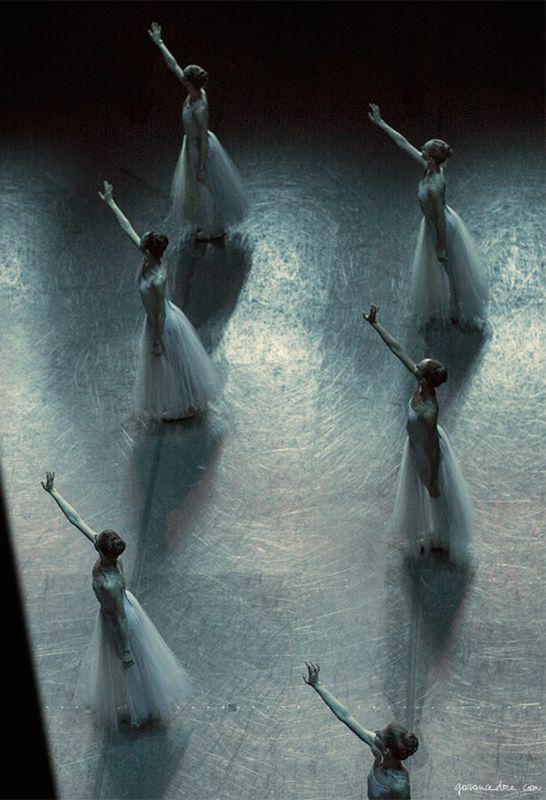 New York City Ballet, performance, ballerinas, dancers, costume, theater / Garance Doré