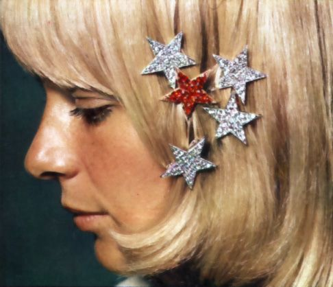 Pretty little stars in silver and red (france gall in 60')