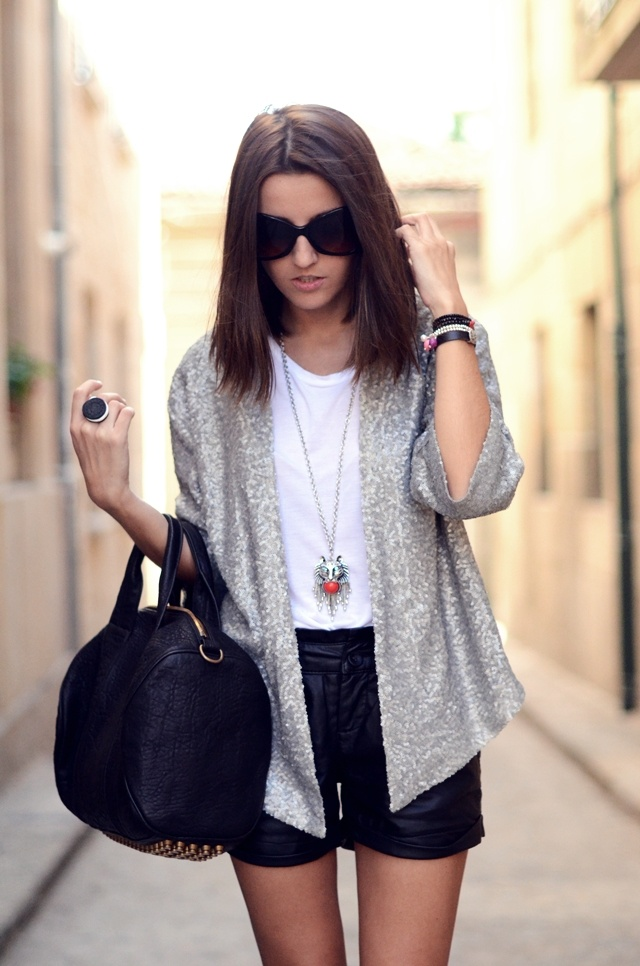 I want a quarter length sequin jacket so bad I could scream! Love this!