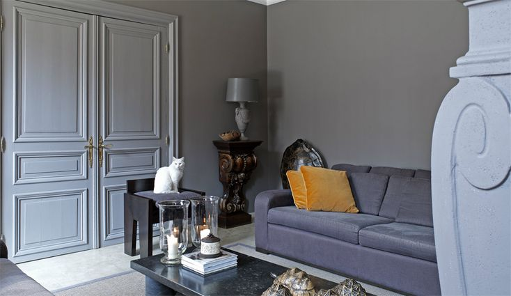 I am really starting to admire spaces that are traditional, classic beauties. These stunning ex...