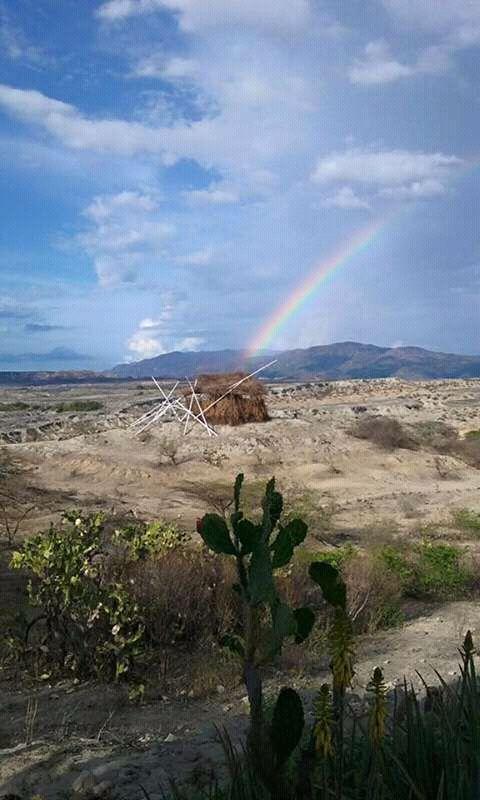 Arco-íris no deserto.  Fotografia: Maria Edith59.