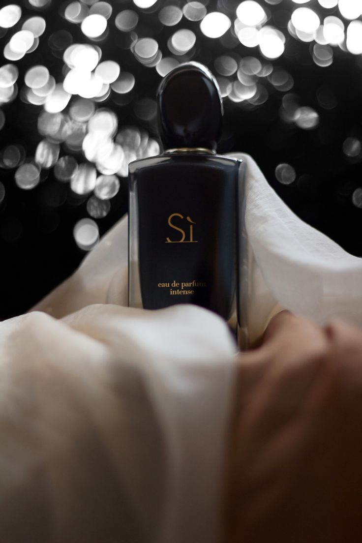 Si Eau de Parfum Intense by @armani http://www.AfterTwoFive.com