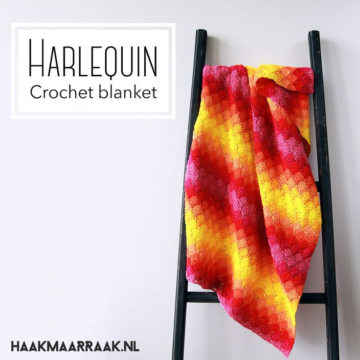 The Harlequin blanket is a colourful and modern crochet blanket. Find the pattern on haakmaarraak.nl!
