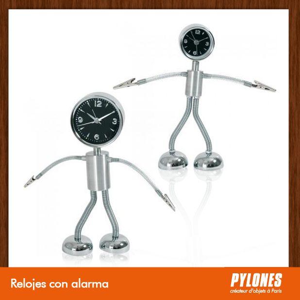 Reloj con alarma @pylonesco Pylones Colombia #navidad #regalos #pylones #novedades #new #gifts #christmas — en Colombia.
