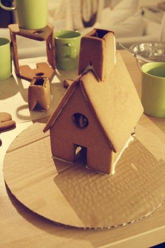 Homemade Gingerbread Houses & Some Christmas Cheer! | Us & Dog