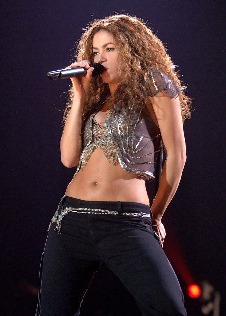36 Ridiculously Sexy Shakira Moments-2335