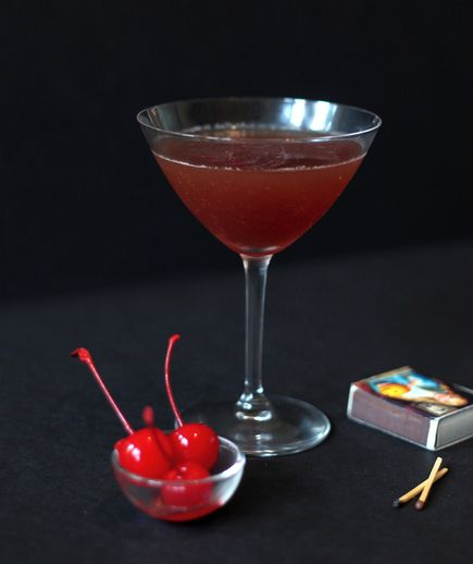 13 spooky halloween cocktail recipes good drinks Good halloween cocktails