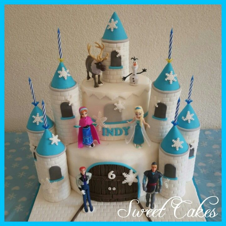 Frozen kasteel taart by Sweet Cakes