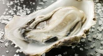 Antipasto di ostriche, un ingrediente afrodisiaco per iniziare bene la serata  #ostriche #afrodisiaco #sanvalentino