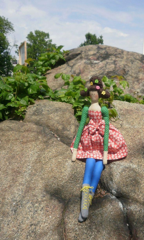 Fabric doll handmade stuffed doll cloth doll in blue pants dress broww hair doll softie cloth doll- birthday gift for girls . https://www.etsy.com/pt/shop/XodobyBella
