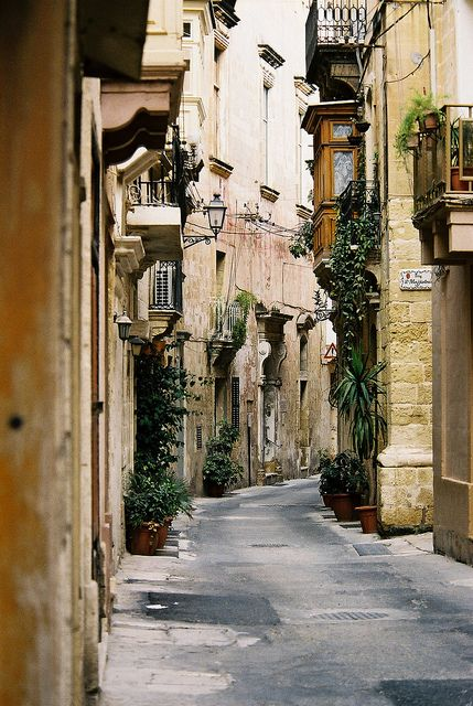 Birgu (Maltese: Città Vittoriosa or Birgu, Italian: Città Vittoriosa or Vittoriosa)