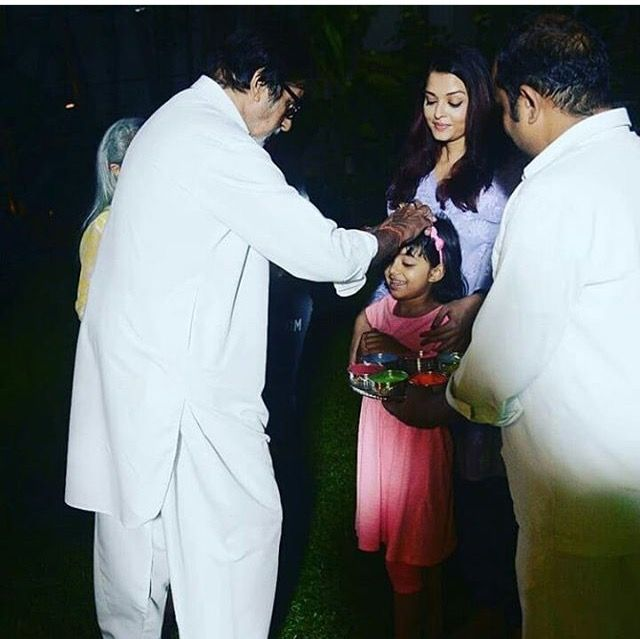 Aishwarya with her father in law Amitabh Bachchan and daughter Aaradhya Bachchan, Holi 2018