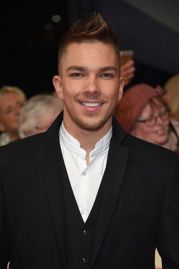 Matt Terry Photos Photos - Matt Terry attends the National Television Awards on January 25, 2017 in London, United Kingdom. - National Television Awards - Red Carpet Arrivals