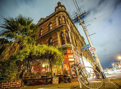 Black Cat Cafe and Bar Brunswick Street Fitzroy - Beer garden, Art Exhibitions, Coffee, Food, Atmosphere
