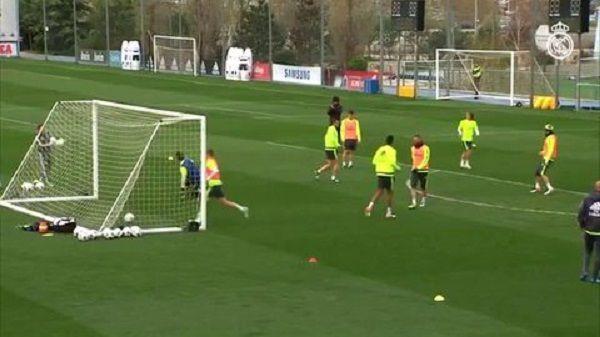 Piękne prostopadłe podanie Marcelo do Walijczyka • Gareth Bale strzelił takiego gola podczas treningu Realu Madryt • Zobacz film >> #real #realmadrid #football #goals #soccer #sports #pilkanozna