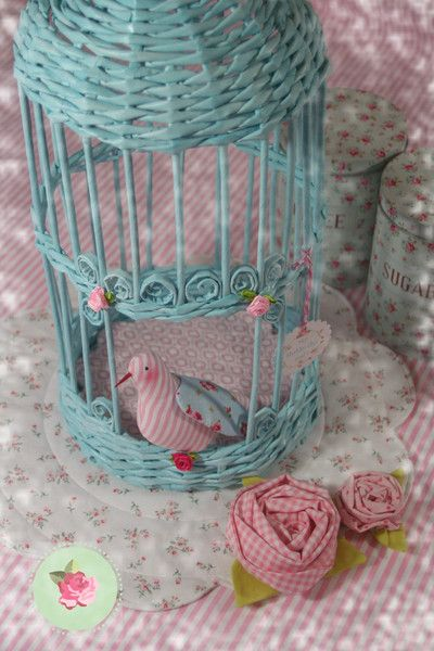 ber ideen zu vogelk fig deko auf pinterest vogelk fige hussen und zeitungshalter. Black Bedroom Furniture Sets. Home Design Ideas