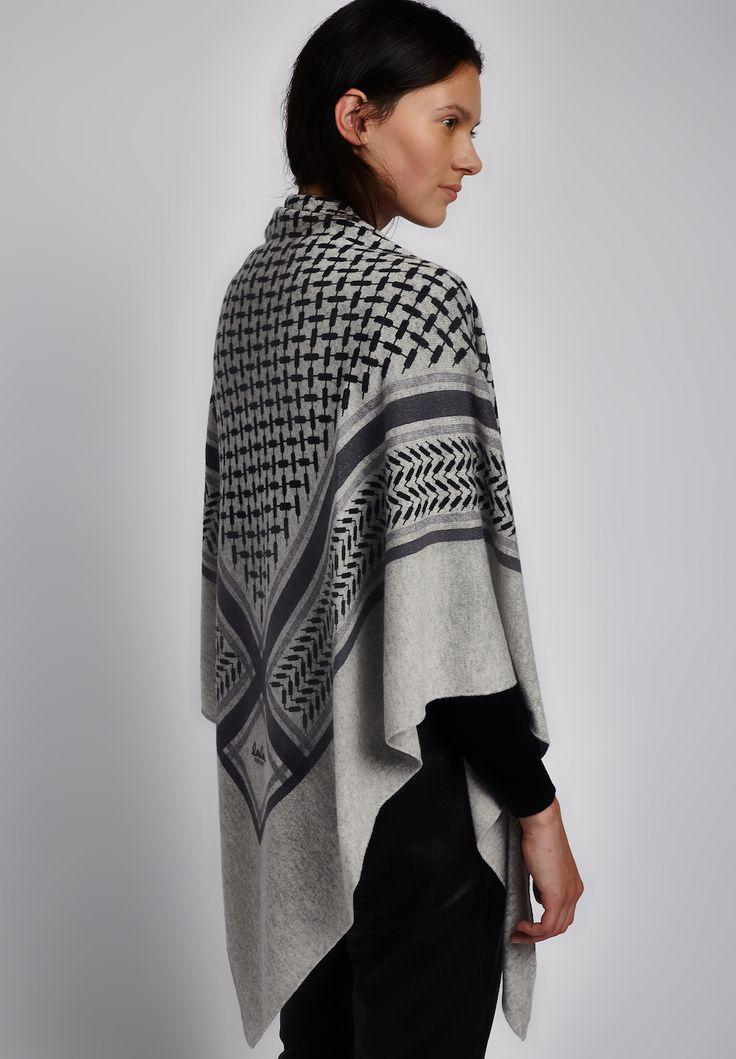 Triangle Trinity Classic L, Flanella #lalaberlin #lala #berlin #triangle #cashmere #autumn #winter #aw #gifts