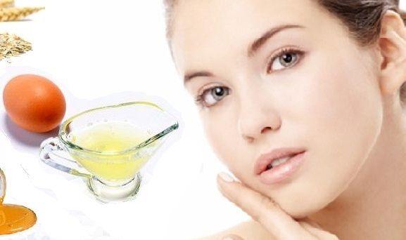 Manfaat masker putih telur untuk wajah berminyak, kering, menghilangkan komedo, jerawat dan mencerahkan kulit. Cara membuat masker dengan putih elur dan madu, jeruk nipis, lemon, alpukat.