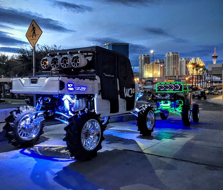"""High Limit"" is Woods Cycle Country Customs entry at this year's SEMA event. It's one trick Polaris Ranger Crew 900. http://www.woodsc3.com/sema-2016/ #WC3 #WoodsCycleCountry #Polaris #Ranger #SEMA #SEMA2016"