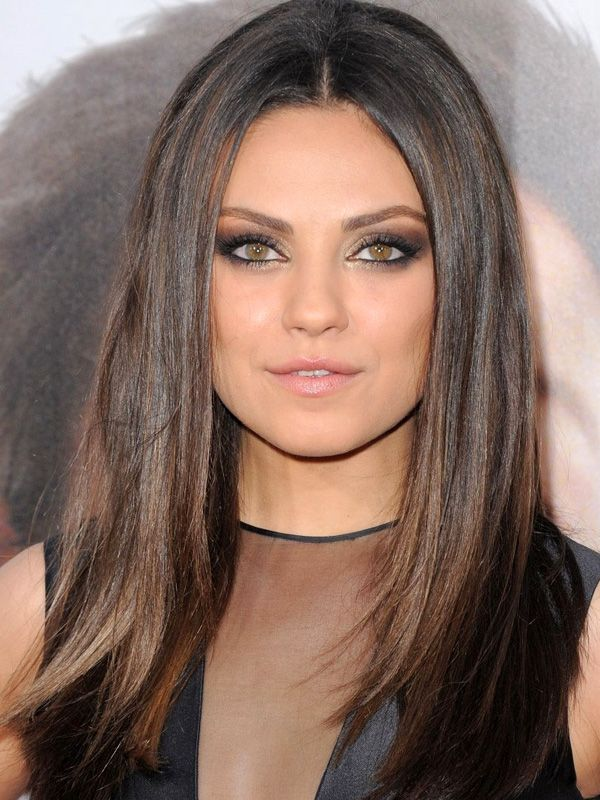 Got dark brown hair? How to add subtle, tone-on-tone highlights to your colour… at home! http://beautyeditor.ca/2014/01/16/dark-brown-hair-with-highlights-at-home/