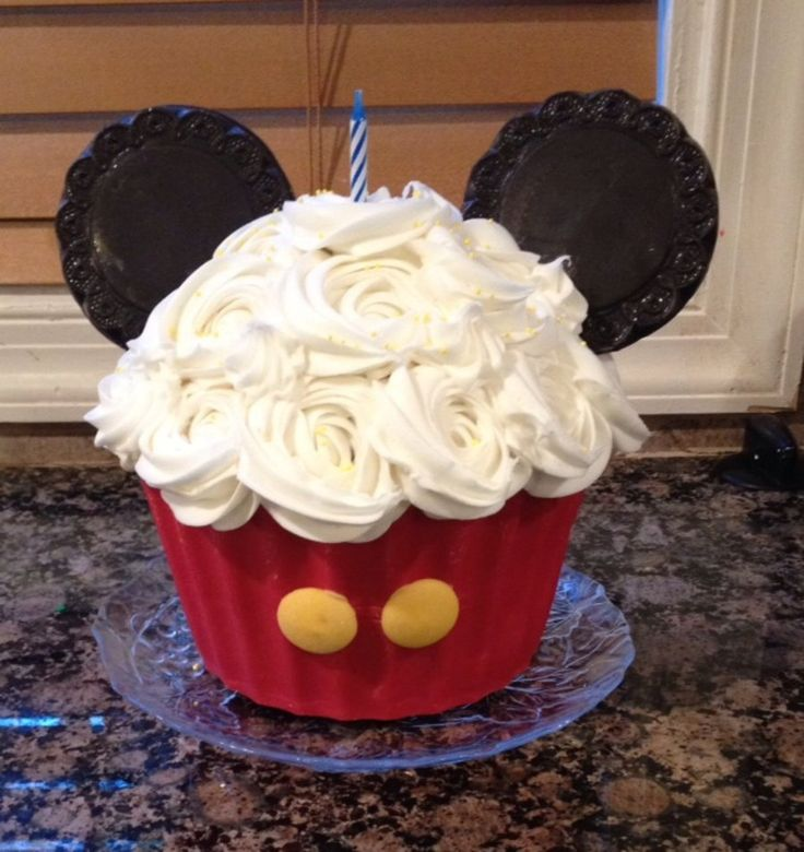 Mickey Mouse Giant Cupcake  on Cake Central