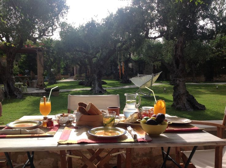 Enjoy your #breakfast in the garden! #SunnyDay #PaliokalivaVillage #Zante