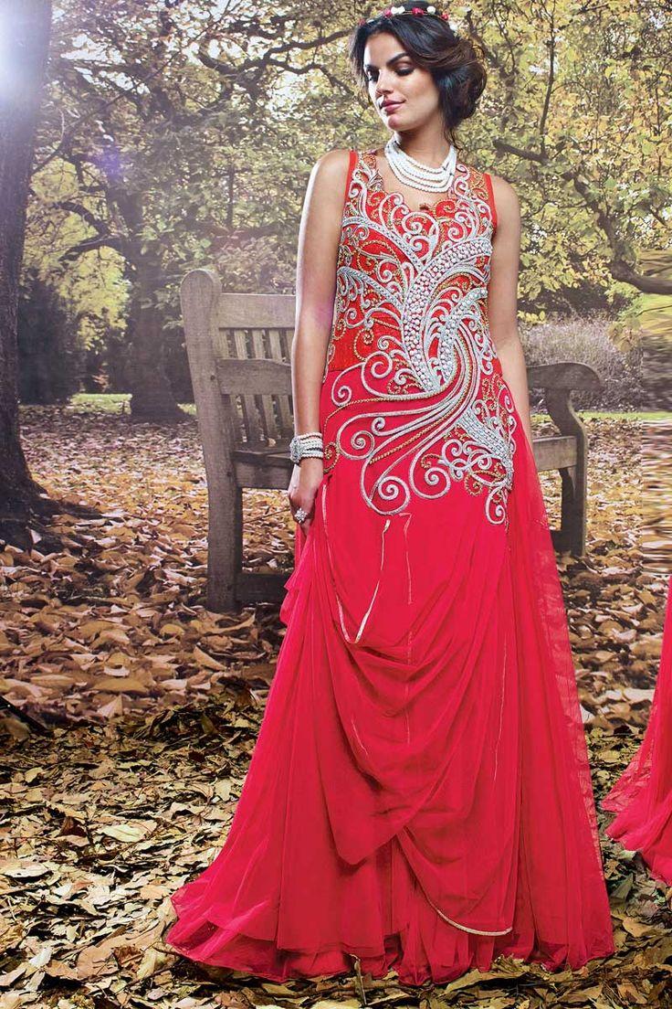 Designer net rose robe de mariée  Prix: 182,21 €  Gagnez très à la mode et belle avec cette nouvelle designer rose net mariage Gown.Dress est embelli avec décolleté Zari broderie. Cette robe est préfet pour mariage, fête et l'usure du festival  http://www.andaazfashion.fr/womens/gowns/desinger-net-pink-wedding-gown-dmv13865.html